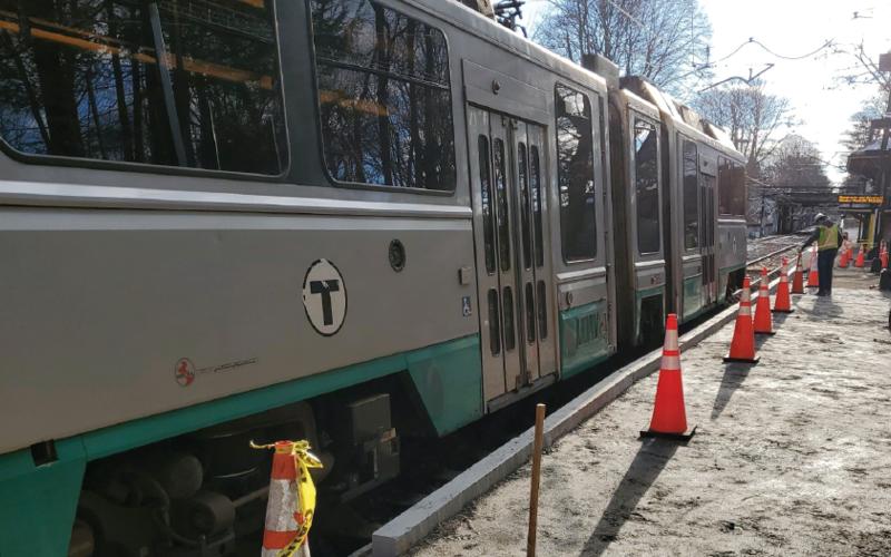 Crews are installing a temporary platform at Newton Highlands (December 2020)
