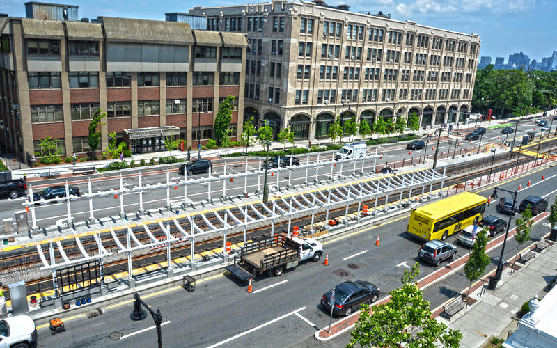 Crews have begun to install the steel framework for canopies at the new Amory St station (June 2021).