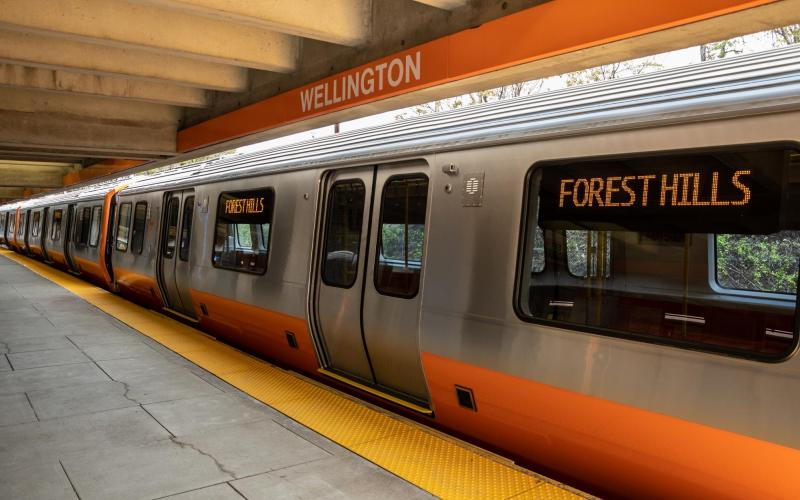 Orange Line pilot cars at Wellington Station